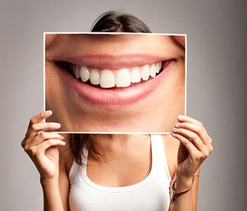 Dr Munira Lokhandwala, Starbrite Dental, Providing Cosmetic Dentistry Treatment
