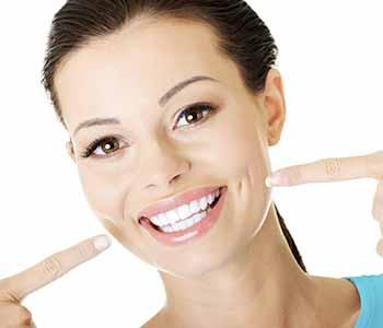 Dr Munira Lokhandwala, Starbrite Dental, Providing Porcelain Veneers Cost
